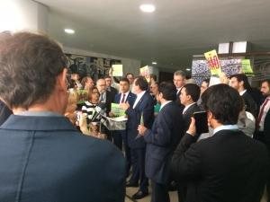 Deputados federais e representantes de movimentos sociais reagiram ao Decreto n° 9.759/2019 que extingue diversos conselhos. Foto: Rodrigo Rueda/CFN