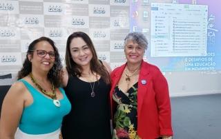 """As nutricionistas Cláudia Montal, Vanille Pessoa e Sandra Chaves participaram da mesa redonda """"Nutrição das próximas décadas"""""""